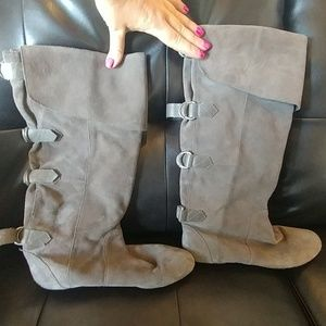Gray flat boots with buckle detailing dolce vita